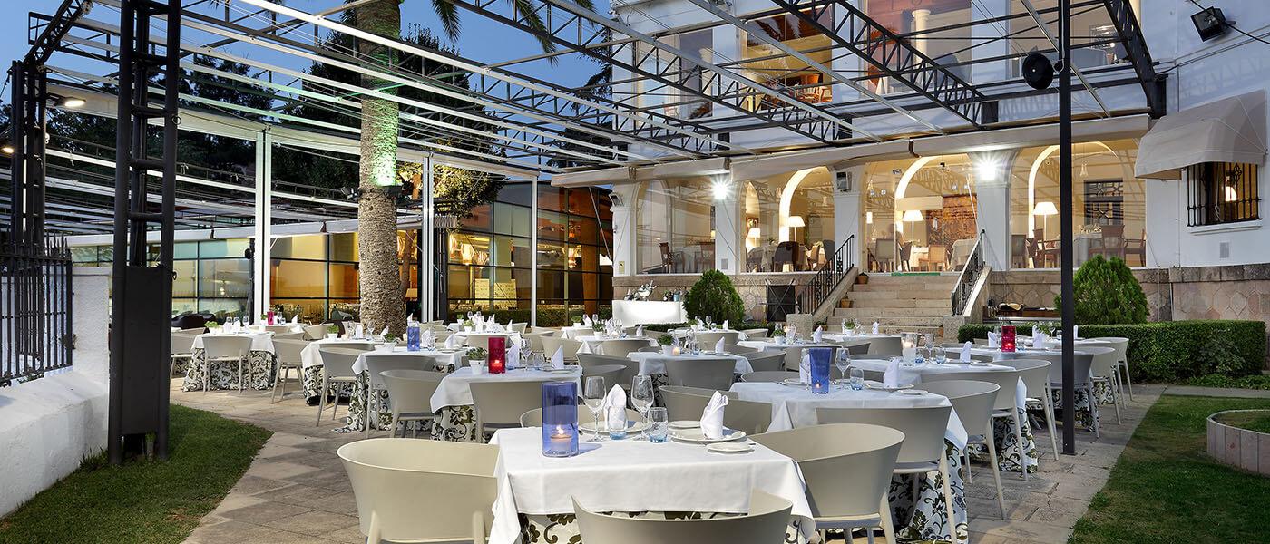 Vista de la terraza en restaurante Abades Ronda