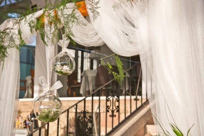 Decoración en altar para boda civil en Ronda