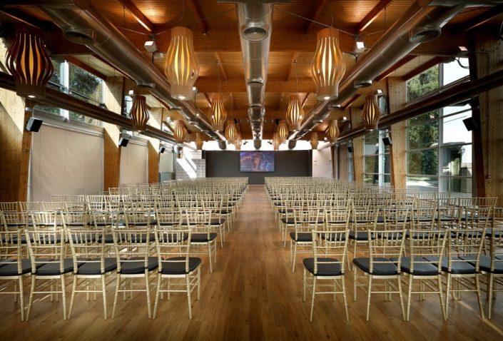 Montaje para conferencias en Abades Ronda