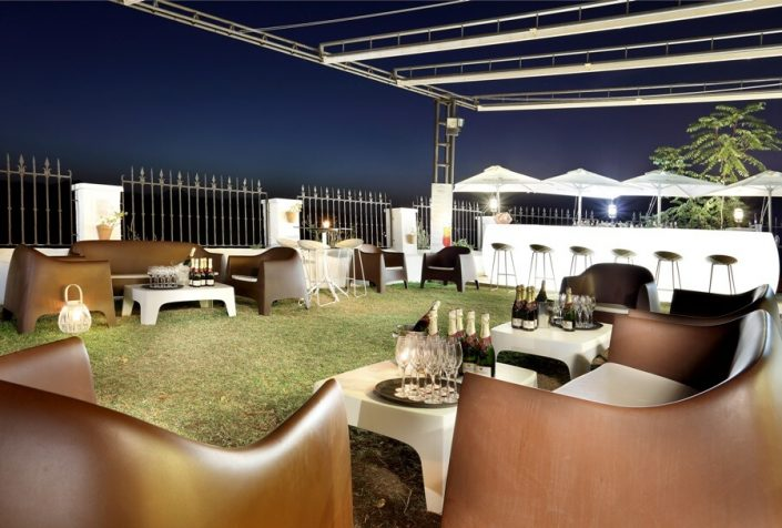 Terraza preparada con Champagne en Ronda
